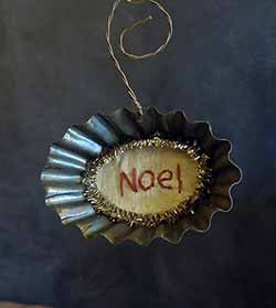 Tart Tin Stitchery Ornament - Noel