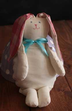 Medium Ivory Bunny