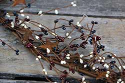 Patriotic Pip Berry & Rusty Star Garland - 40 inch