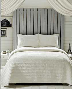 Rochelle Creme Quilt Set - Queen