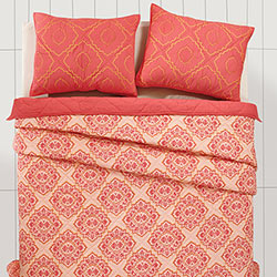 Adria Porcelain Rose Quilt Set (Multiple Size Options)