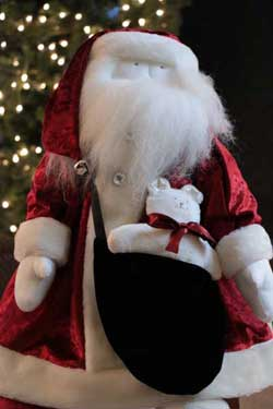 Red Velvet Santa (Limited Edition)