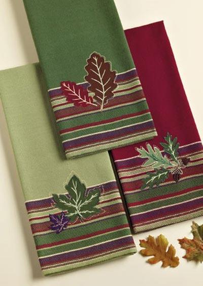 Acorn Leaves Dishtowel, by DII