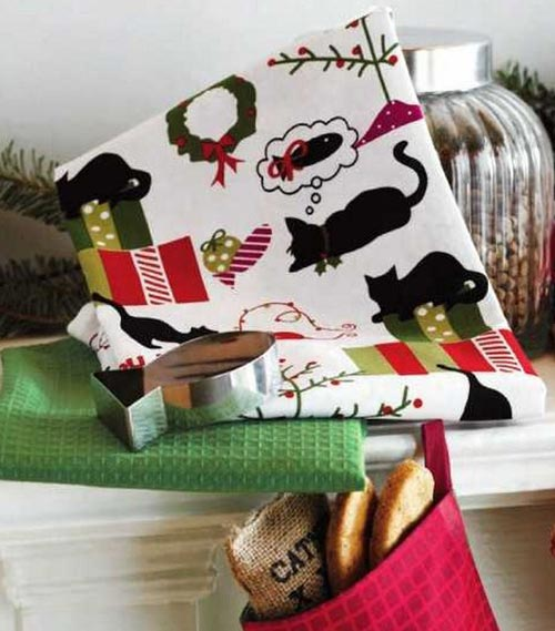 Cat Dishtowel Set with Cookie Cutter, by Tag