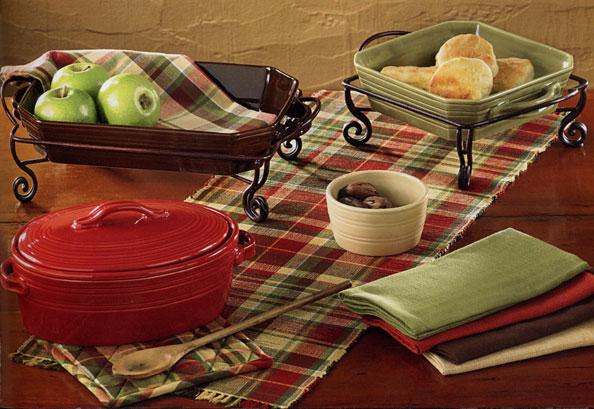 Casual Classics Dinnerware - Round Baker (Chocolate)