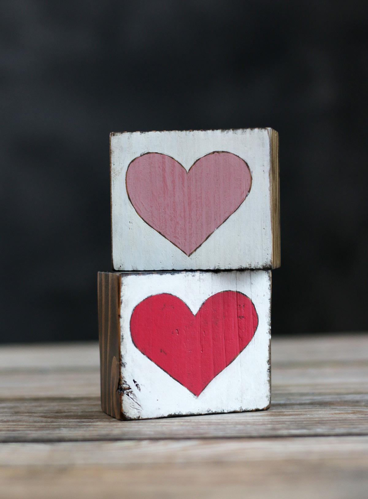 Heart Chunky Shelf Sitters
