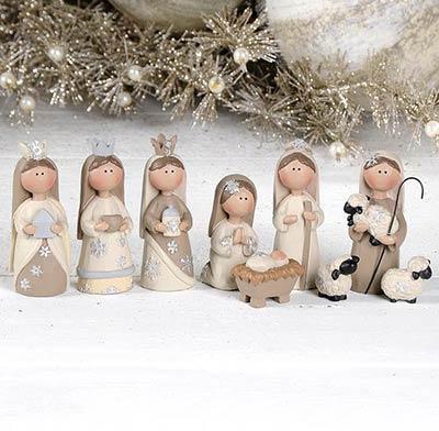 Cream & White Nativity Set (9 pieces)