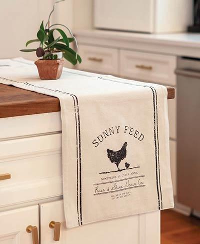 Sunny Feed Chicken 36 inch Table Runner
