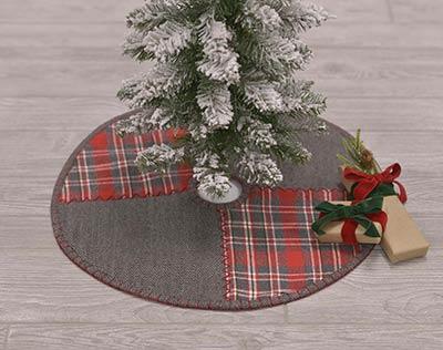 Mini Christmas Tree Skirt Pattern.Anderson Patchwork Mini Christmas Tree Skirt The Weed Patch