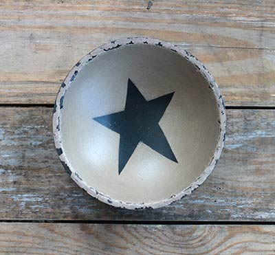 Chippy Paint Bowl with Black Star