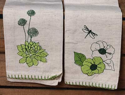 Cactus Flower Guest Towels (Set of 2)
