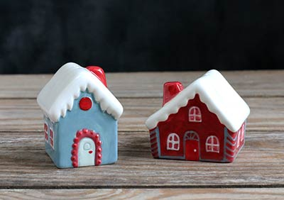 Holiday House Salt and Pepper Shaker Set