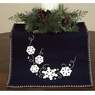 Snowflakes Tables Runner