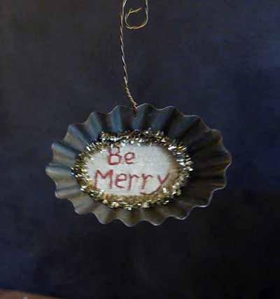 Tart Tin Stitchery Ornament - Be Merry