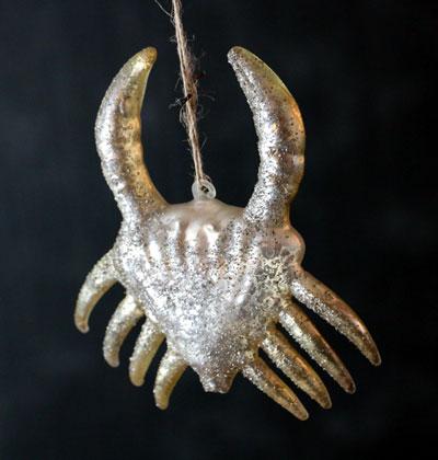 Icy Wharf Crab Ornament - Vanilla