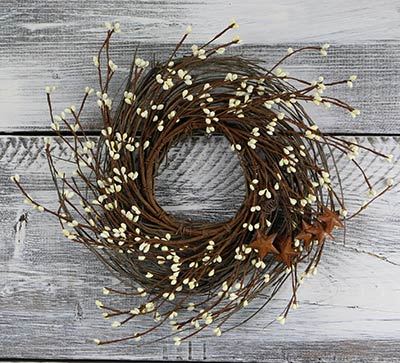Ivory Pip Berry 16 inch Wreath with Stars