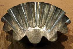 Ruffled Tin Candle Pan - 7 inch