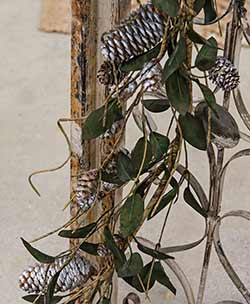 Silver Frosted Leaf & Pine Cone Garland