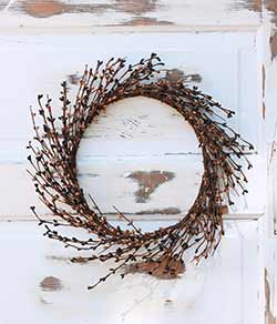 Black & Tea Stain Pip Berry Wreath (16 inch)