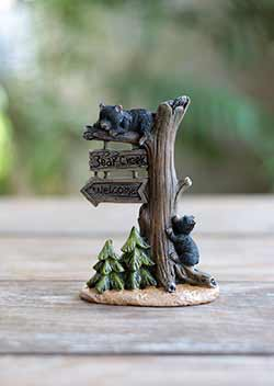 Bear Creek Welcome Mini Figurine