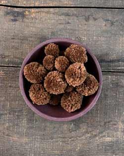 Yarn Pom Poms in Brown (20 pack)
