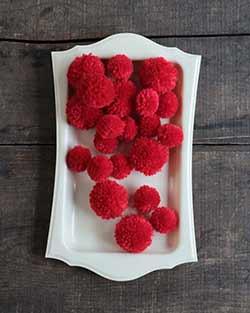 Yarn Pom Poms in Red (20 pack)
