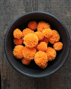 Yarn Pom Poms in Orange (20 pack)