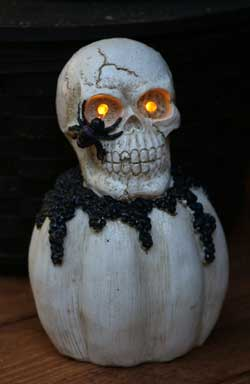 Light-up Skull Pumpkin