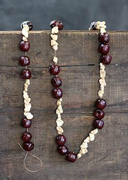 Popcorn & Chestnut Garland