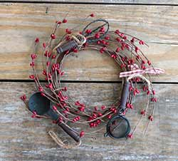 Red Pip Berry Candle Ring with Utensils