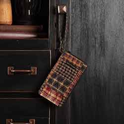 Beckham Modern Wristlet Wallet