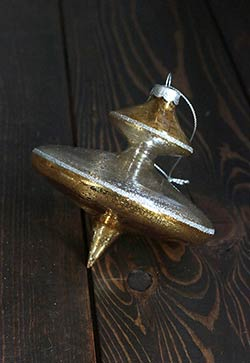 Gold Antiqued Finial Ornament