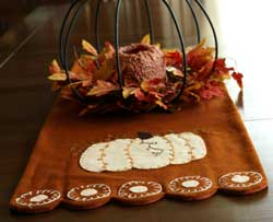 Penney Pumpkin Table Runner
