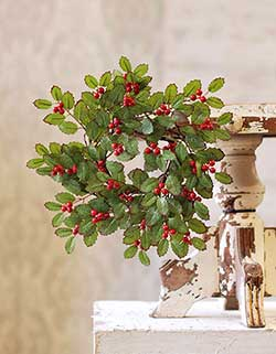 Holly & Red Berry Candle Ring