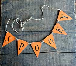 Spooky Hand-painted Wooden Mini Pennant Garland