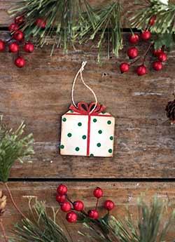 Mini Gift Ornament