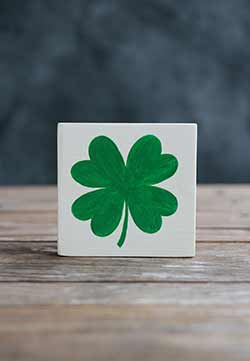 Shamrock Shelf Sitter Sign